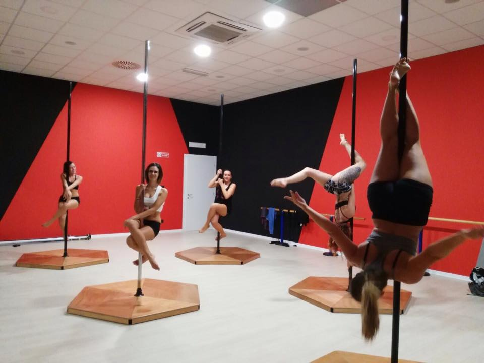 Free Fly Pole Dance Studio 1