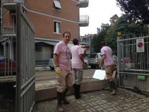 14-10-15_Volontari_per_l'alluvione_1_ridotta