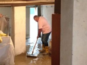 14-10-15_Volontari_per_l'alluvione_3_ridotta